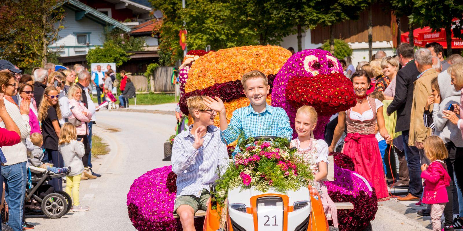 Der jährliche Blumenkorso in Ebbs