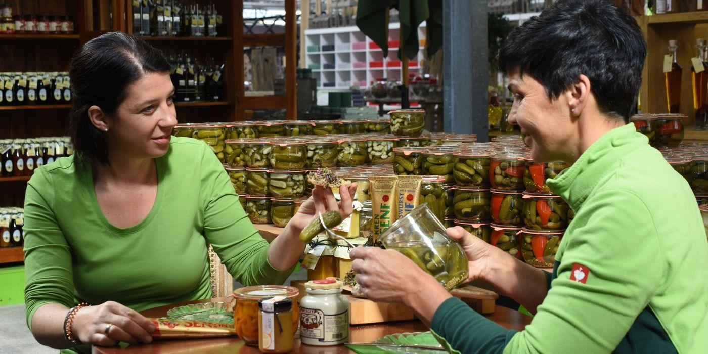 Marianne in Ebbs und Bea in Mils präsentieren Delikatessen