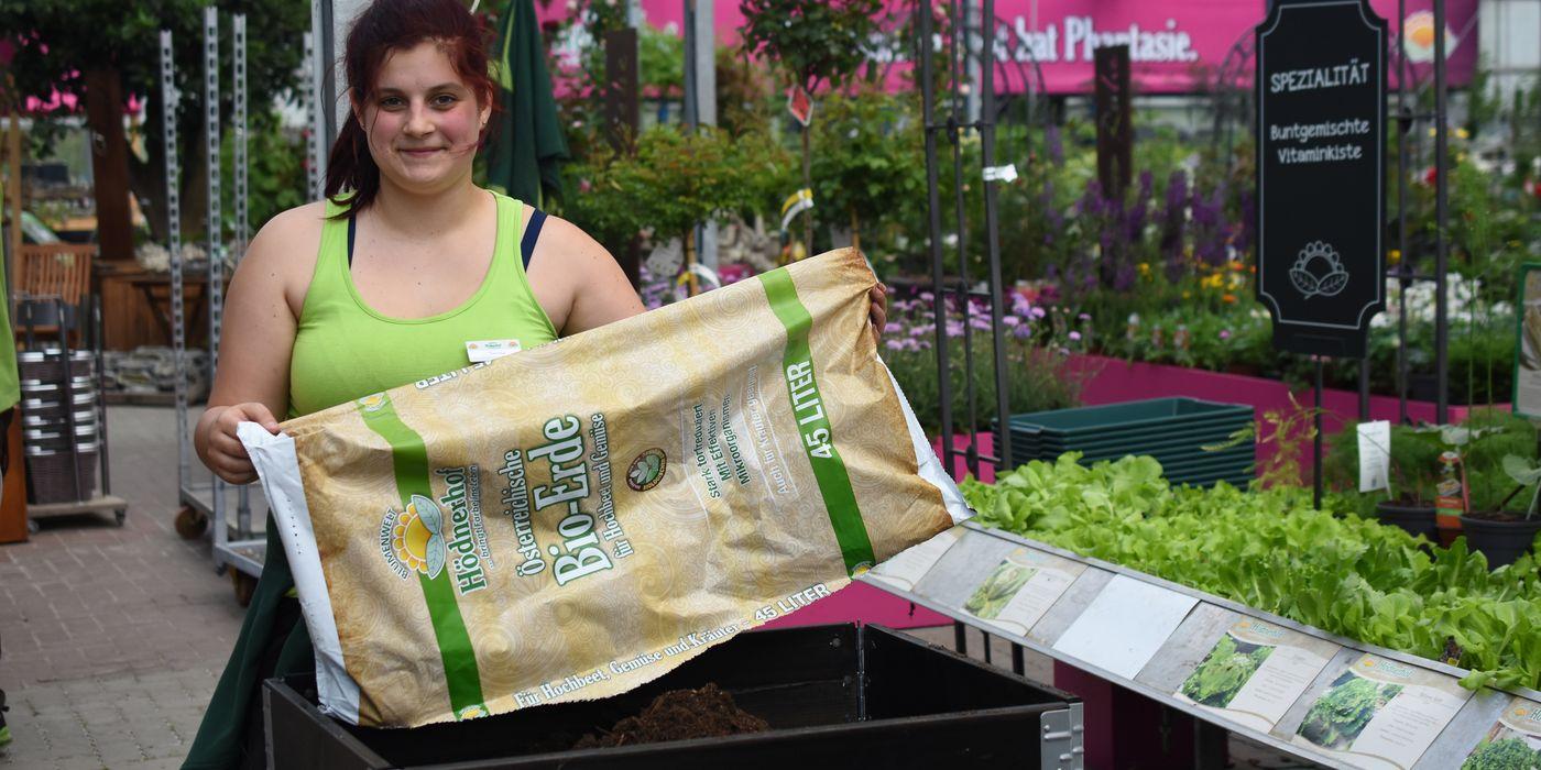 Verschiedene Spezialerden, darunter unsere eigene Bio Gemüse- und Kräutererde