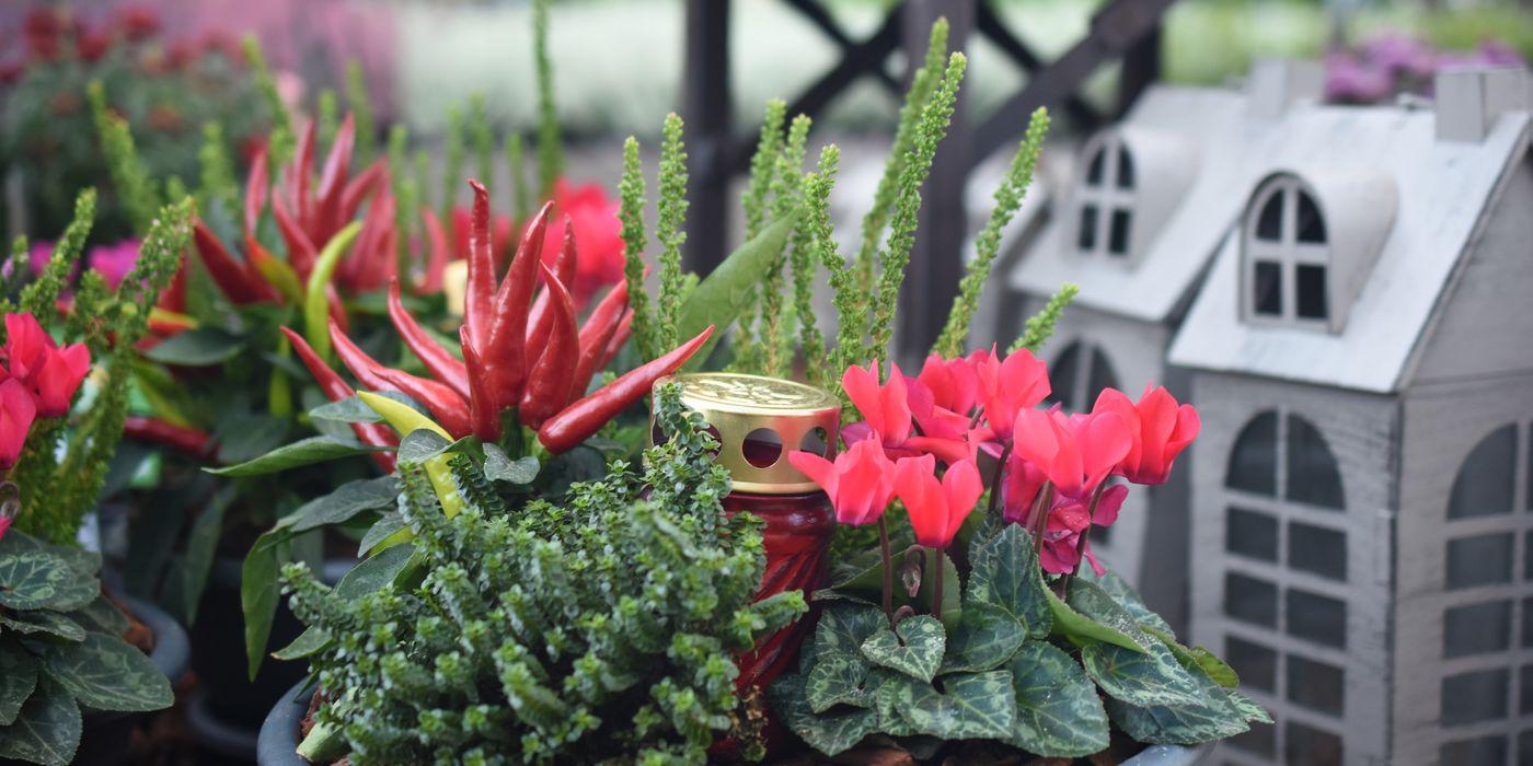 Passen Sie die Grabgestaltung der Jahreszeit an